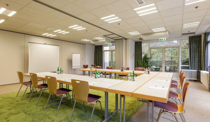 U-Form Bestuhlung im Business Center